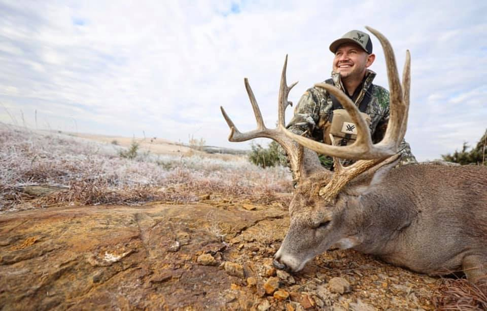 boss buck No-Fail Deer-Feeding Strategies for Your Favorite Time of Year feature